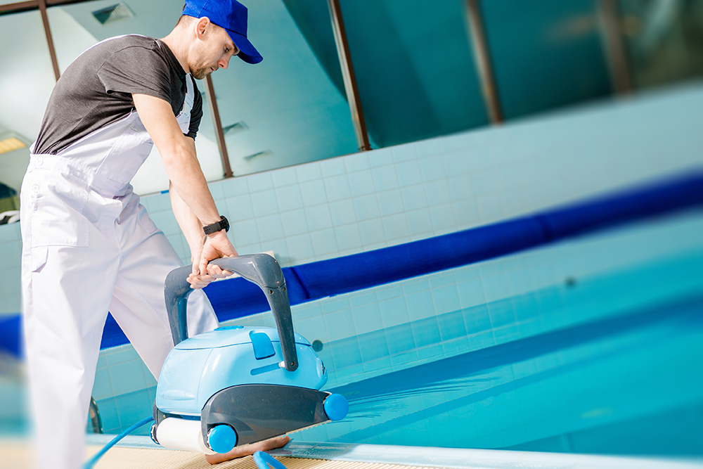 automated-pool-cleaner-P7Q9DGP_sm